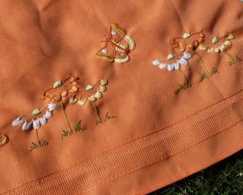 nappe-a-broder-printemps-papillons.jpg