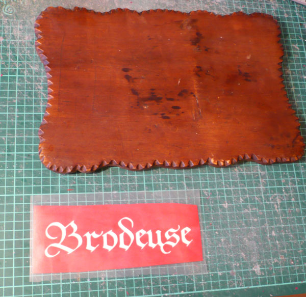 pochoir sticker meuble bois