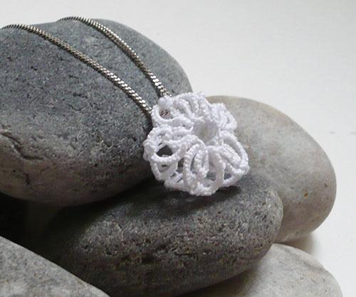 fleur 3D frivolité pendentif 2