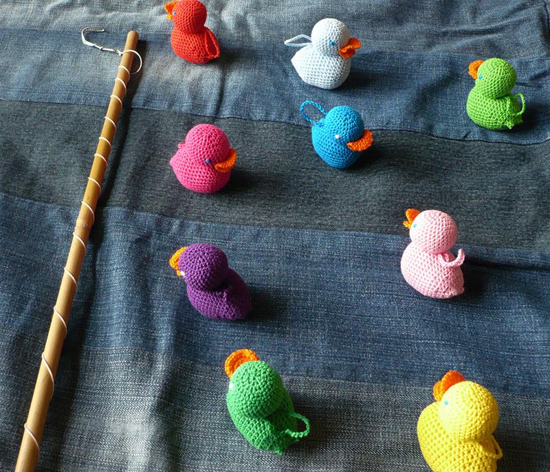 p che aux canards au crochet avec deux z. Black Bedroom Furniture Sets. Home Design Ideas